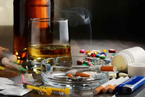 As Drogas e a Legislação: Drogas Lícitas e Ilícitas
